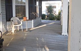 blog-pic/pol-na-verande/terrasa-iz-obreznoi-doski12.jpg